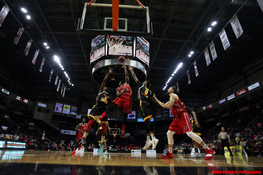 Windsor Express vs London Lightning